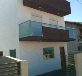 Casa 2 Dormitórios c/ Lavabo e Sacada!!!!! Próximo a Rua do Gramal.